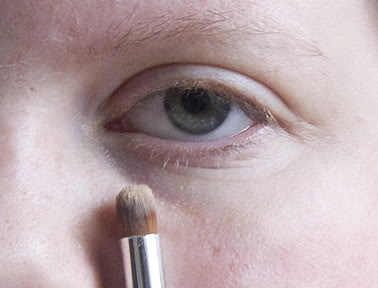 Tips on using Concealer